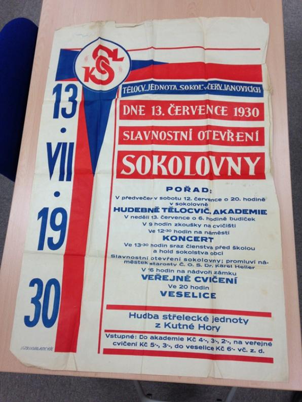 Plakát k slavnostnímu otevření sokolovny v roce 1930.