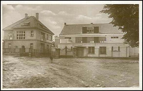 Sokolovna v roce 1935.